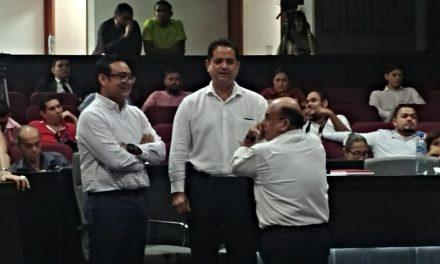 """Renuncian cuatro diputados a sus bancadas para """"chapulinear"""" a Morena"""