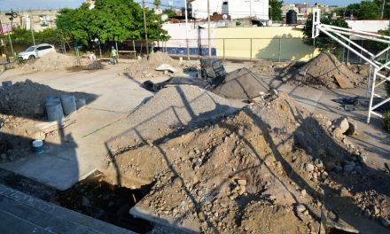 Arrancan construcción de cancha techada en la Infonavit-Camino Real