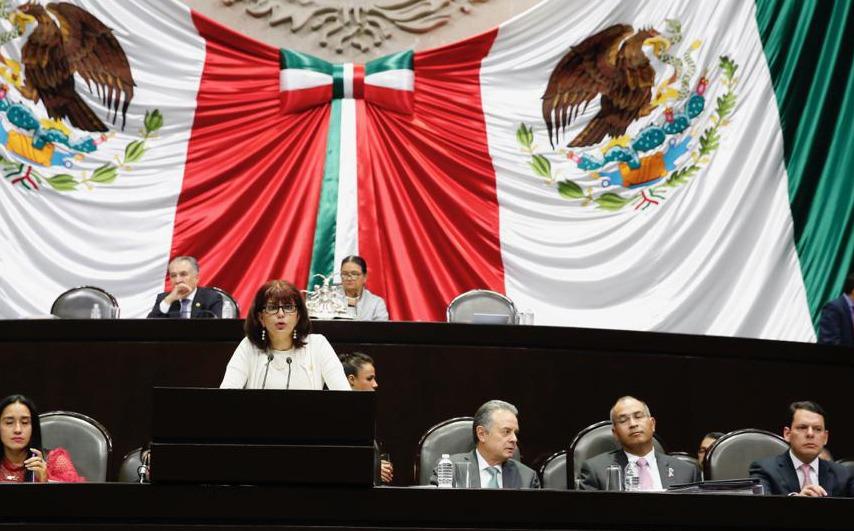 Exige Claudia Yáñez Centeno poner alto a cobros injustificados de la CFE