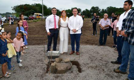 """Colocan primera piedra de """"Jardín Esperanza Real"""""""