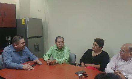 Presentan problemática sindicalizados a Tecomán, a presidente del Congreso
