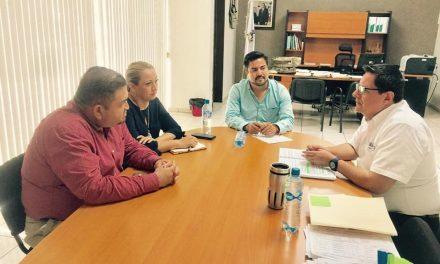 Se reúnen diputados de la Comisión de Comunicaciones con el encargado de despacho de la SEMOV