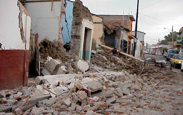 Realiza Protección Civil conferenciasobre la sismicidad en Colima
