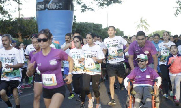 Se reunen más de 700 participantes en la 4ª carrera FEUC; reúne egresados y sociedad