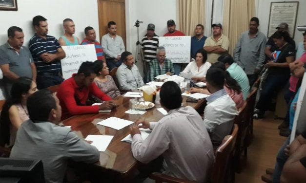 Revoca Cabildo de Minatitlán basificaciones de 29 trabajadores