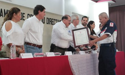 Toman protesta a nueva directiva de Cruz Roja en Tecomán