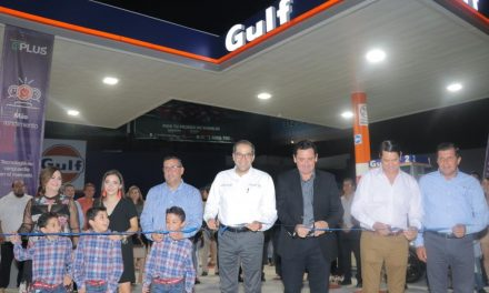 Inaugura Gobernador primera gasolinera Gulf en Colima