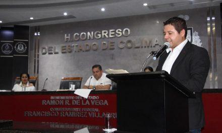 En tres años Sejuv supera meta  de atención a jóvenes de Colima
