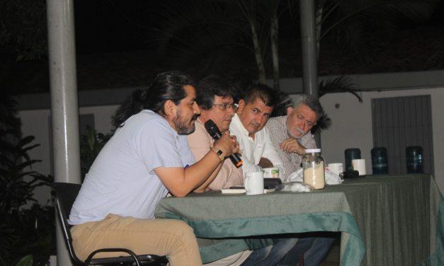 PERIODISTAS Y ESCRITORES COMPARTEN VIVENCIAS EN VASCO DE QUIROGA