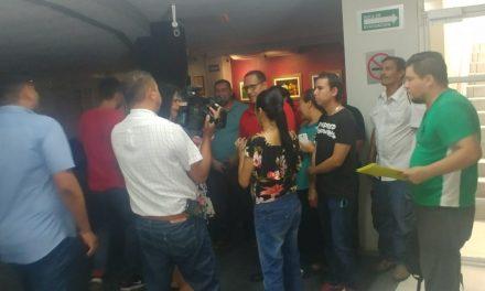 Trabajadores despedidos del Ayuntamiento de Colima,  Acuden al Congreso a pedir apoyo para su reinstalación