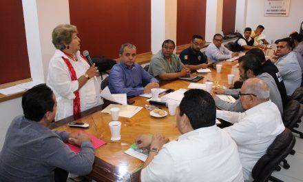 Se reúnen titulares de seguridad de los municipios, estado y policía federal, con diputados locales