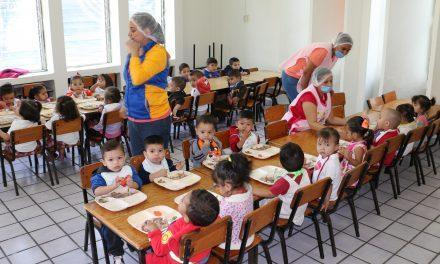 DIF Estatal atiende hijos  de estudiantes y jornaleras