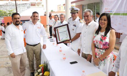 Rinden Secretaría de Educación y  SNTE homenaje a Armada de México
