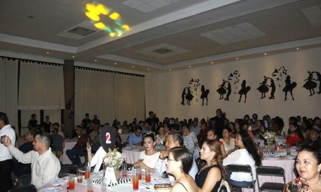 Realiza Escuela de Turismo y Gastronomía inclusión social con  cena-beneficio, en Manzanillo
