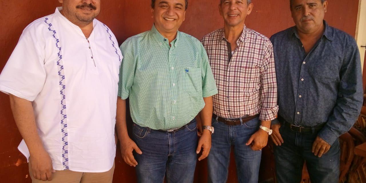 Ex Alcaldes de otros municipios confían que Felipe Cruz hará un buen trabajo en Villa de Álvarez