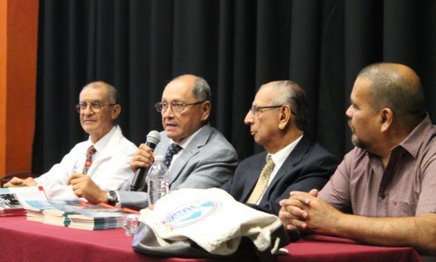 Presentan libro Suelo de Navegar de Leopoldo Barragán