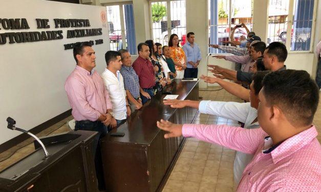 Rinden Protesta las Nuevas Autoridades Auxiliares de Villa de Álvarez, ante el Cabildo