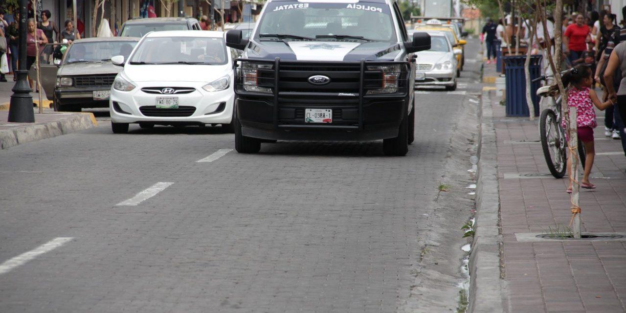 Policía Estatal detiene a menor con moto robada y cartuchos