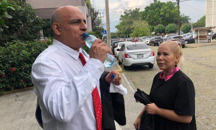 Rechaza mayoría de diputados, propuesta de  Reyes Rosas; no será oficial Mayor del Congreso