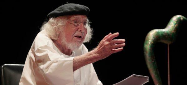En estado crítico, el poeta nicaragüense Ernesto Cardenal permanece en el hospital
