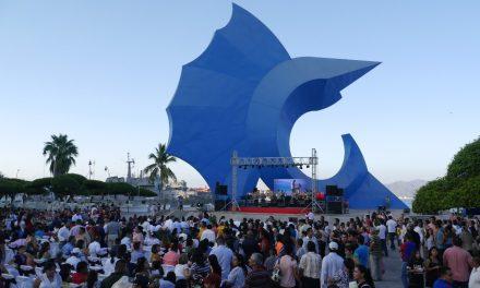 Manzanillo se llenó de amor, 200 parejas le dijeron sí al amor