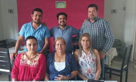 Se reune el diputado Julio Anguiano, con regidores del Ayuntamiento de Tecomán
