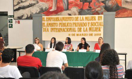 Comparten mujeres profesionistas experiencias en la UdeC