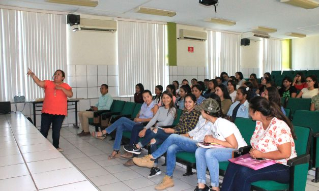 Ofrecen charla sobre acoso sexual a estudiantes de Tecomán