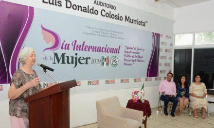 La preparación, fundamental para que las mujeres hagan valer sus derechos: Kike Rojas