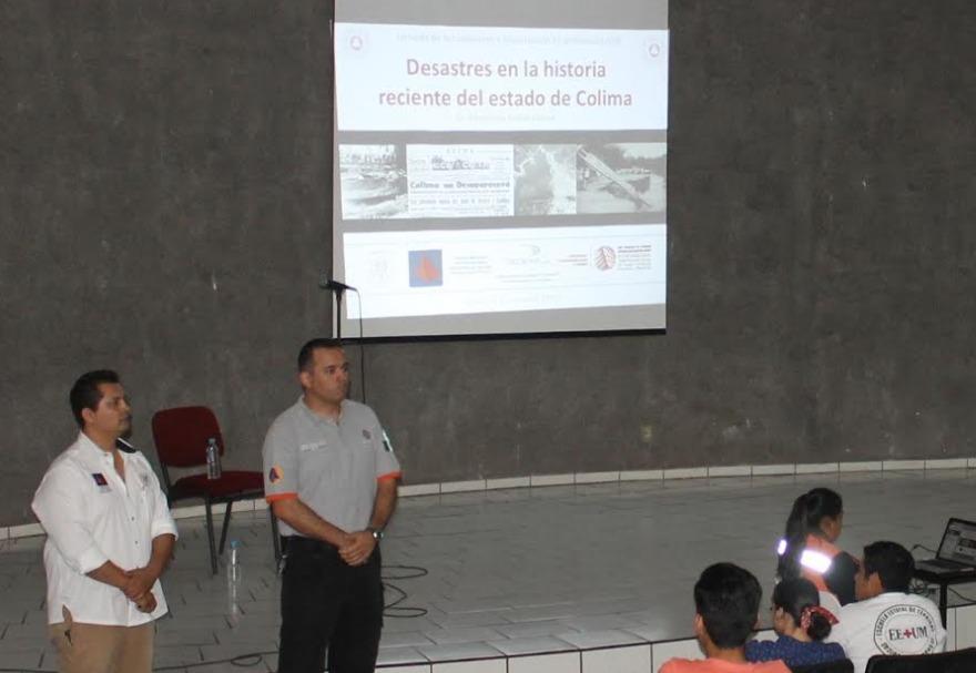 Imparten conferencia Desastres en la historia reciente del Estado de Colima