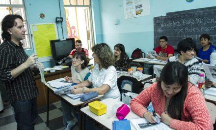 Busca SE disminuir el rezago educativo con Secundaria a Distancia para Adultos