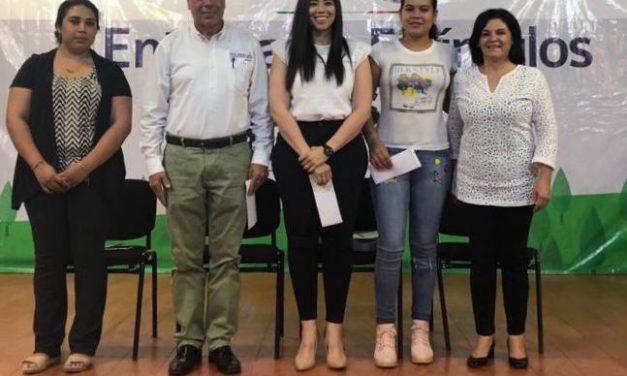 Sedescol: Concluye entrega de Becas Rurales, en Minatitlán