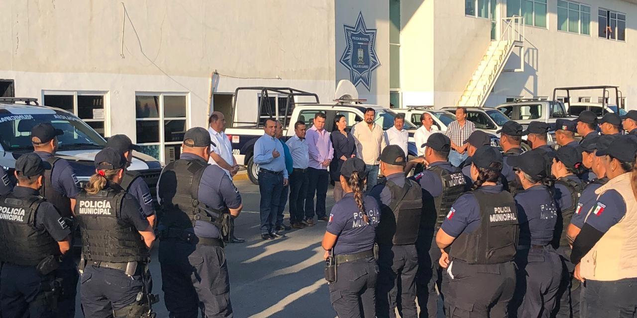 Asaltan Walmart del tercer anillo y Policía Municipal de Villa de Álvarez los detiene en flagrancia