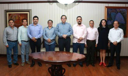 Visita secretario del SNTE-Sección VI a rector Eduardo Hernández Nava