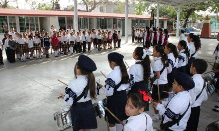 Celebra Congreso del Estado ceremonia cívica en la escuela Francisco I. Madero