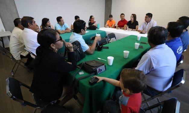 Incode se reune con miembros de la Asociación Colimense de Cronistas Deportivos