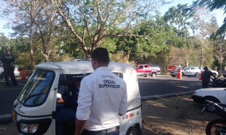 Secretaría de Movilidad, saca de la circulación a moto taxis en el municipio de Coquimatlán
