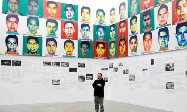 Ai Weiwei expone retratos en Lego de los estudiantes desaparecidos en México en 2014