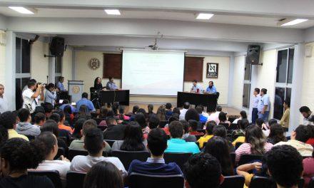 Disertan panelistas sobre Periodismo Digital en Colima