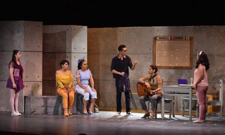 """Estrenó Compañía de Teatro de la UdeC obra """"Saltar sin red"""""""