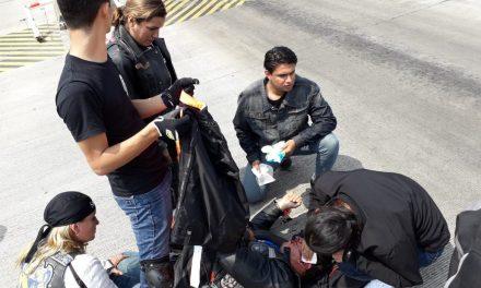 Agreden a tubazos a motociclistas en la caseta de Sayula; al menos un lesionado
