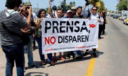 Tres periodistas asesinados en México en menos de dos semanas; defensores de prensa dicen que impunidad es la causa
