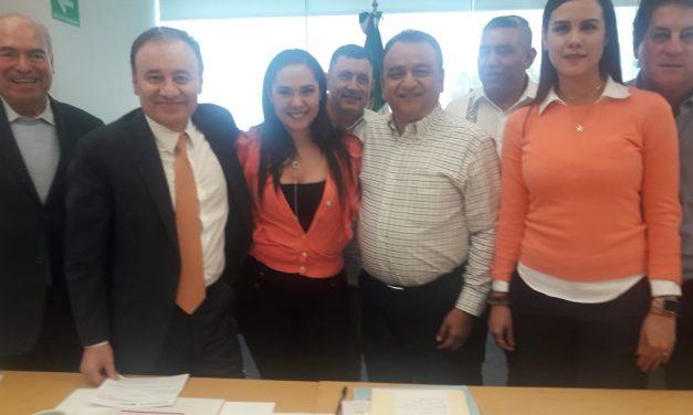 Felipe Cruz Sostiene Reunión con Secretario Federal de Seguridad, Alfonso Durazo