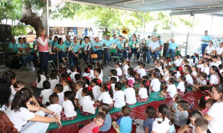 Realizan concierto de la Banda de Música de Gobierno del Estado para integrantes de Cadis