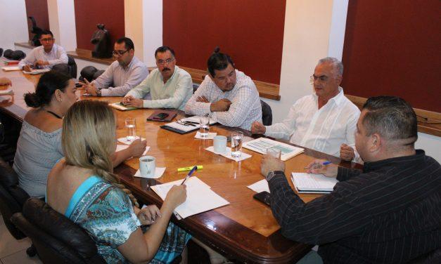 Delegado del IMSS acude al Congreso; se reunió con la Comisión de Salud