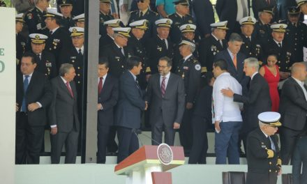 Acude el gobernador Ignacio Peralta a la presentación de la Guardia Nacional