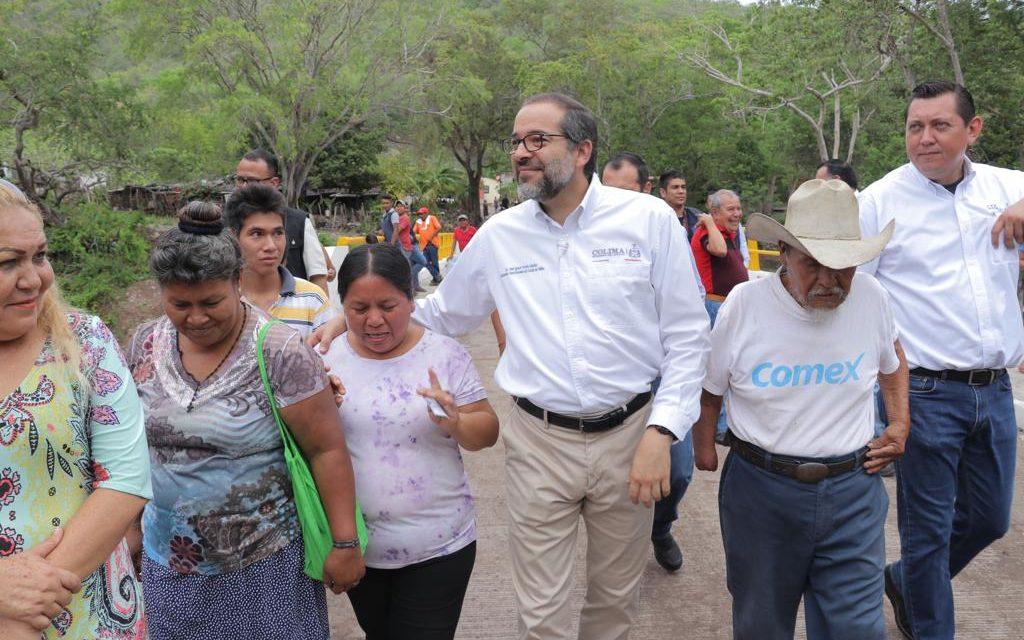 Gobernador le cumple a Ixtlahuacán con obras