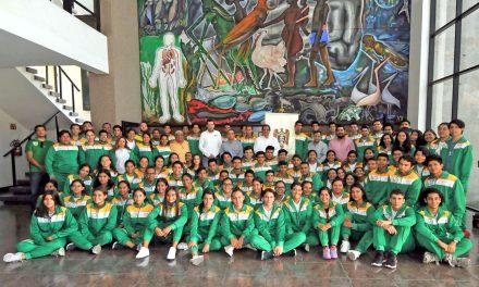 Rector abandera y uniforma a Loros y Loras rumbo a los JUDENEMS 2019