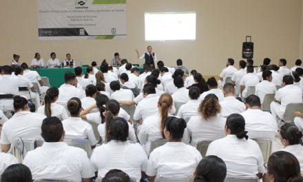 Secretaria de Salud reconoce labor de las enfermeras y enfermeros en su día social
