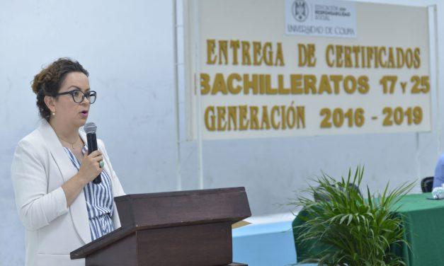 Egresan 101 jóvenes del nivel medio superior, en Comala